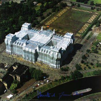 Christo | Reichstag, Luftaufnahme von Ost nach West, (handsigniert)