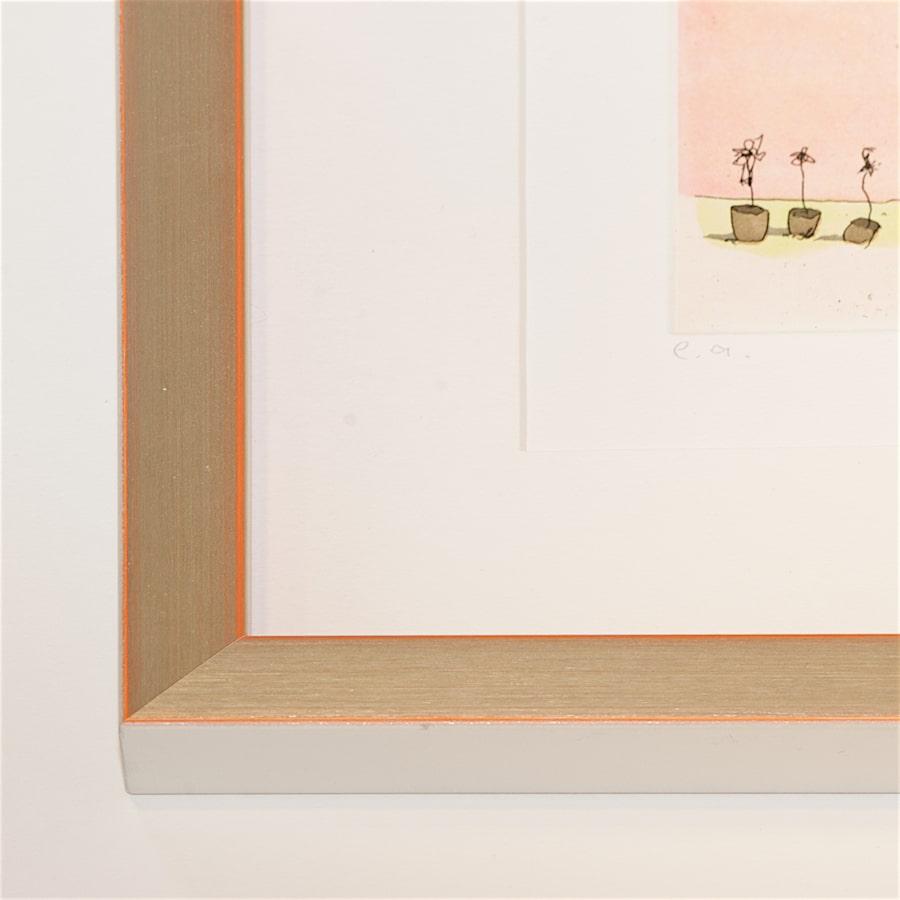 Silberner Holzrahmen mit orangefarbener Kante | 47 x 115 cm