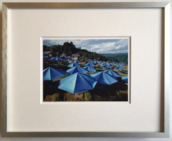Christo | Umbrellas - gerahmter Miniprint 2