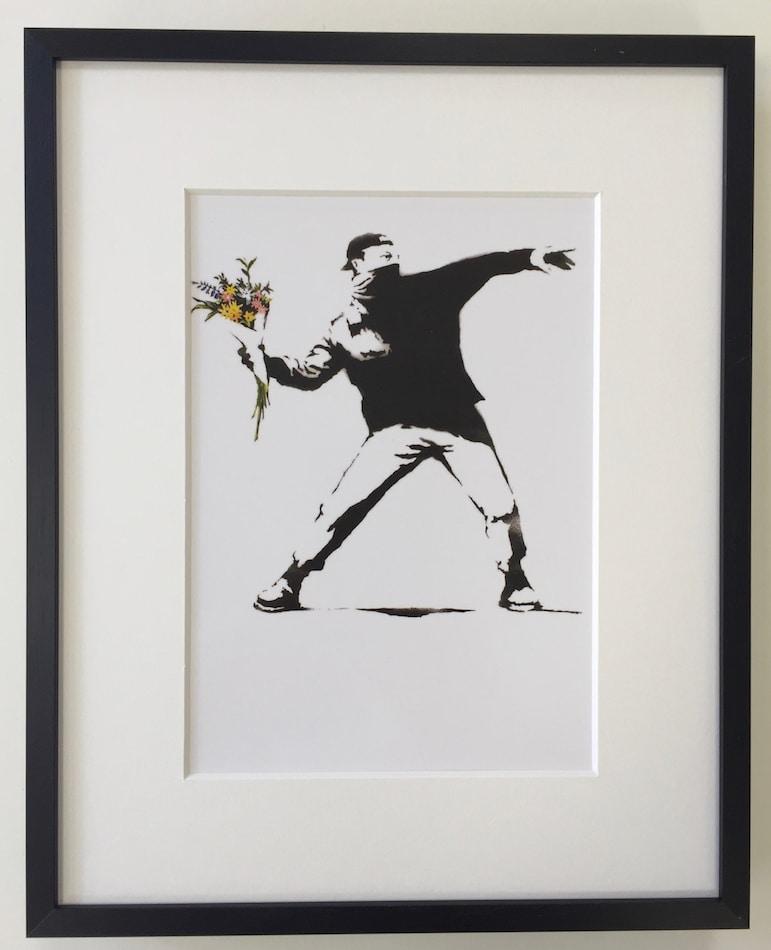 Banksy   Flower Thrower - gerahmter Miniprint