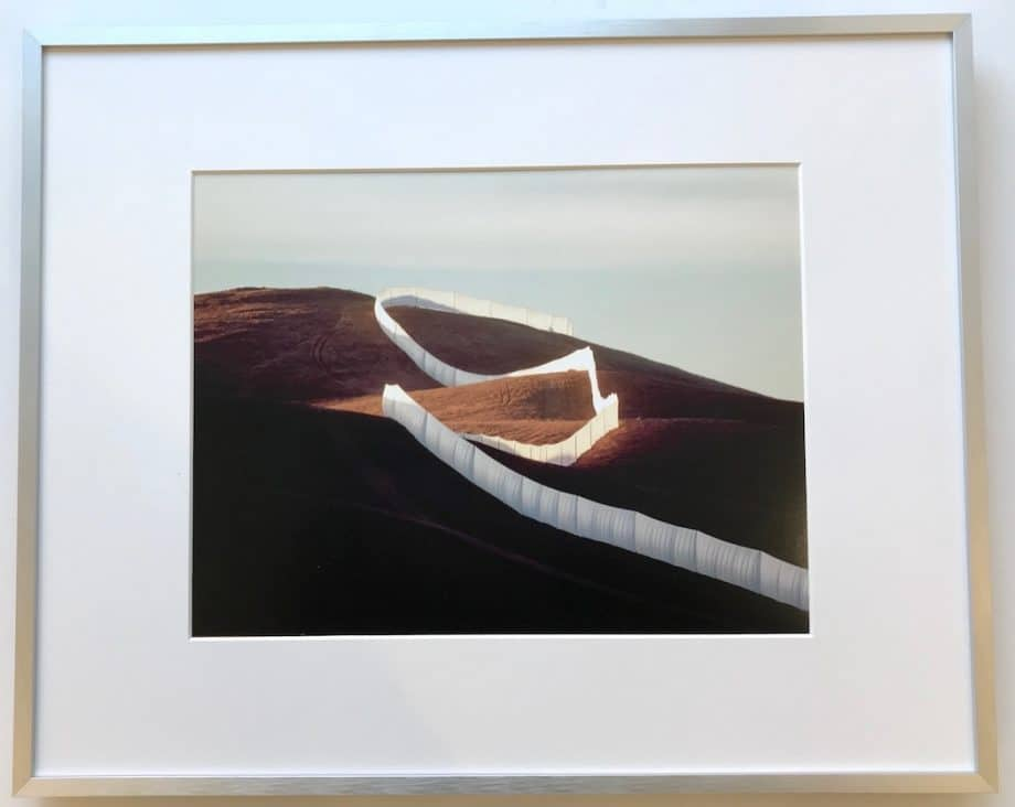 Christo | Running Fence – gerahmter Kunstdruck