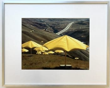 Christo | Yellow Umbrellas - gerahmter Kunstdruck