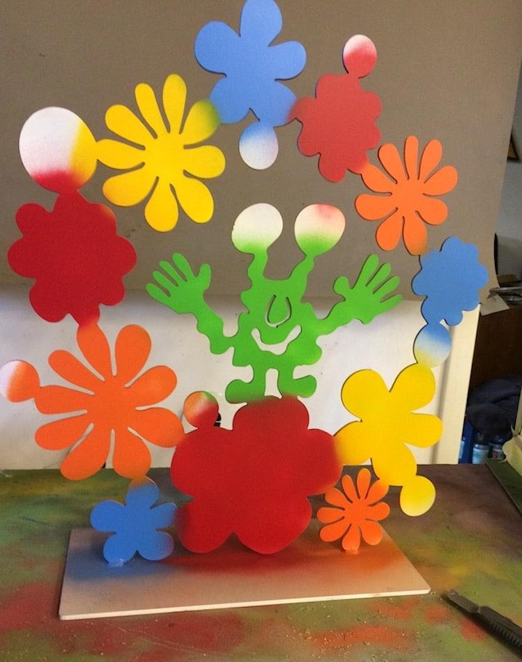 Patrick Preller Von Blumen umgeben