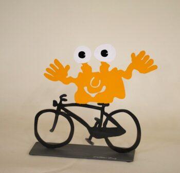 Patrick Preller Monster TOGO auf dem Fahrrad