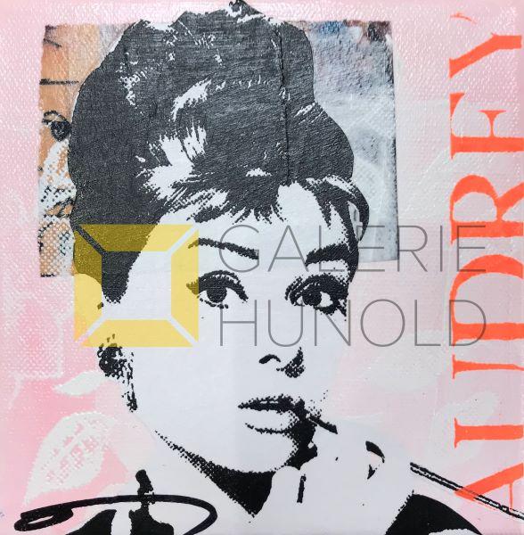 Anna Flores Little Icon Audrey 2