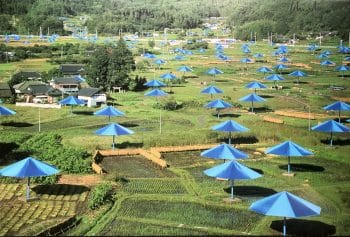 Christo Umbrellas blau